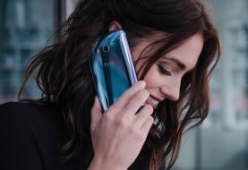 HTC U11, el primer móvil achuchable